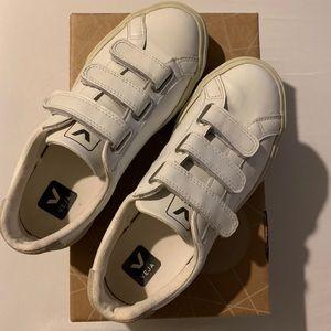 Veja 3-Lock Leather Shoes